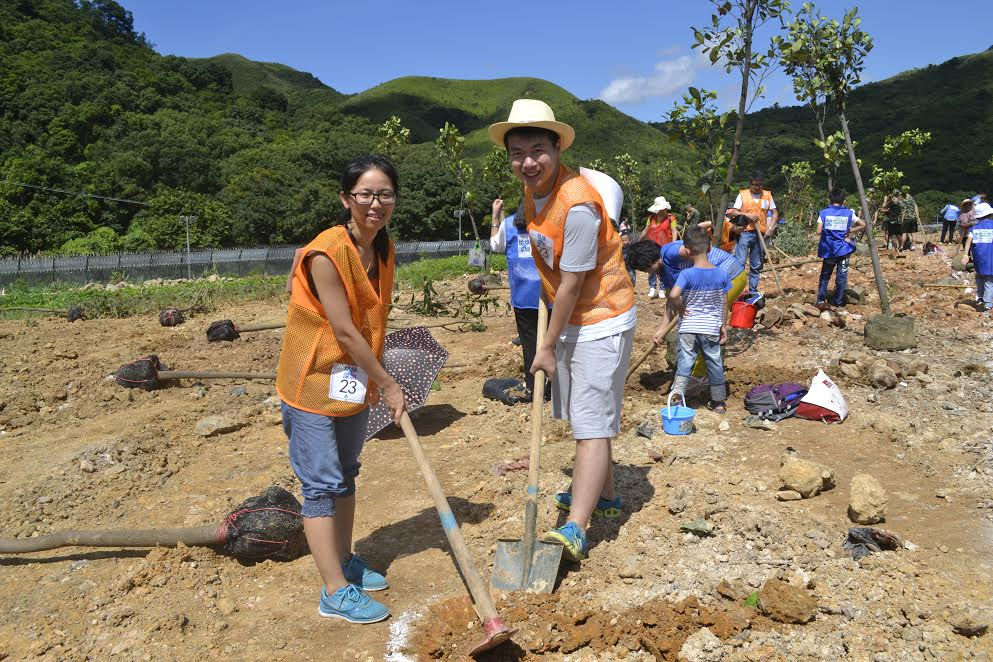 For the third consecutive year, the Shenzhen team held a Tree Planting Event to nurture environmental awareness in children.
